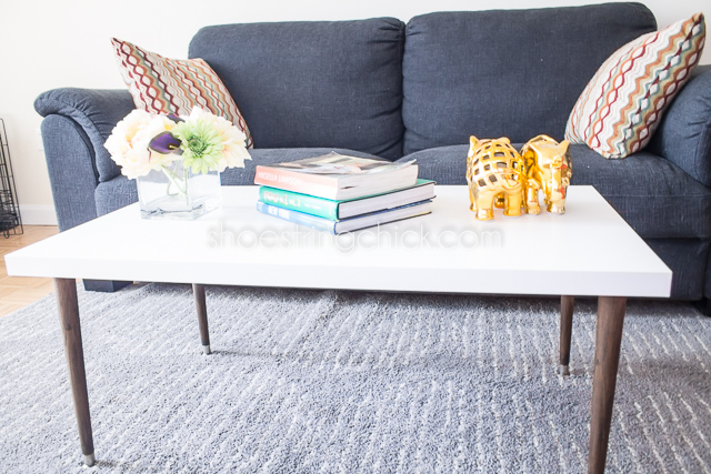 Easy and inexpensive diy coffee table liz du jour for Build your own coffee table kit